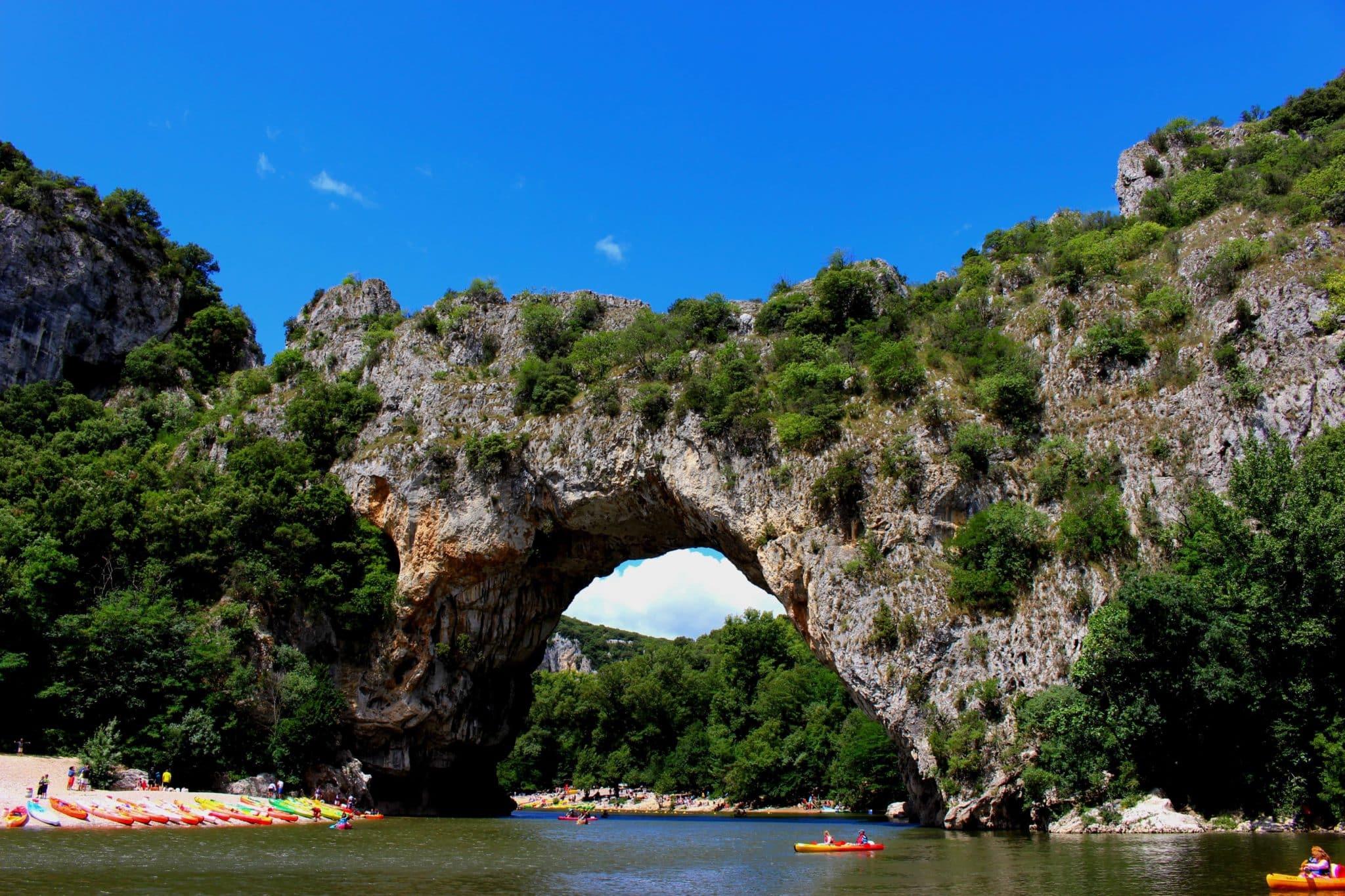 visiter le pont d'Arc camping Le Vieux Vallon